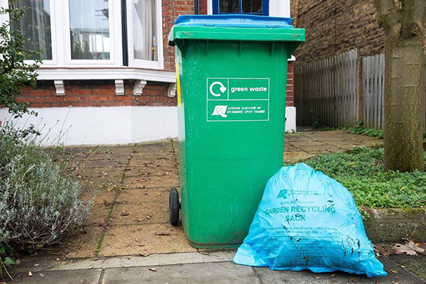 image - Council to compensate residents for garden waste service disruption